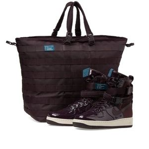 Womens Nike Air Force 1 SE Premium / Carrying Case